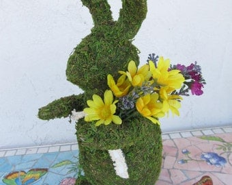 Green Moss Garden Rabbit