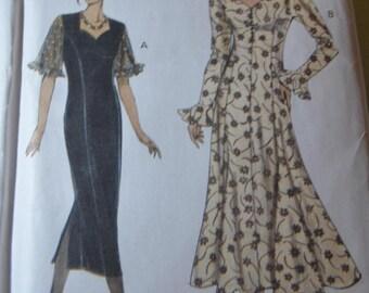 Vogue 8878  Misses/ Misses Petite Dress Sewing Pattern - UNCUT -  Size 6 8 10