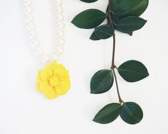Statement Necklace Flower Necklace Yellow Necklace Ivory Necklace Pearl Necklace Bridesmaid Jewelry Bridesmaid Gift Wedding Necklace Gift