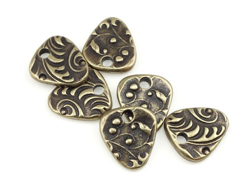 Bronze charms tierracast jardin triangle antique brass for Jardin francais jewelry