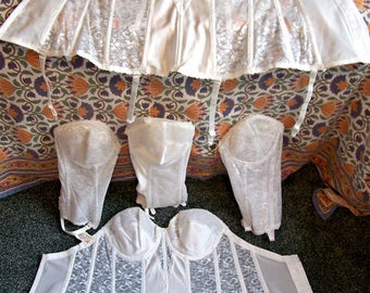 NWT Vintage Corset, White Lace Corset, Corset with Garters, Carnival Corset, 38 B, 36 D, NWOT