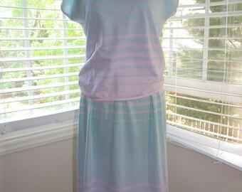Vintage Jantzen 2 Piece Tee and Skirt, Pastel, Small/Medium