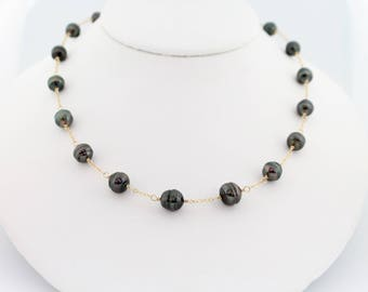 Tahitian pearl necklace, tin cup, saltwater, black pearls, dark, circle, gold: Simply Adorned