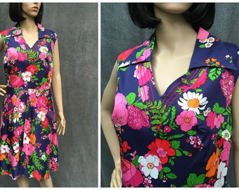 60's French 'Your Sixth Sense' Mod Flower Print Dress -  Size M- L