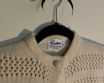 Broadway Ivory Wool Cardigan | Honeycomb Open Knit ||| Crochet Buttons ||| 1950s ||| Medium