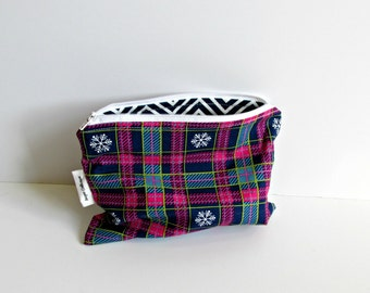 Winter Plaid Zipper Pouch / Cosmetic bag / Pencil case / Christmas gift / Navy & Pink