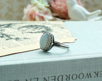 White Opal Faux Antiqued Silver Ring Wedding Pearl Jewelry White Smokey Opal Color Lace Adjustable Ring, Faux Opal Glass Stone Bridal Ring