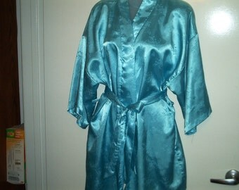 Ladies Shorty Satin robe