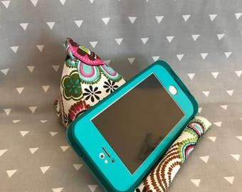 Cellphone or iPod Pillow Stand