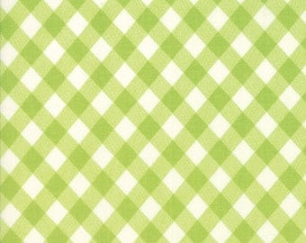 1 Yard Bonnie and Camille Basics by Moda -55124-34 Vintage Picnic Gingham Green