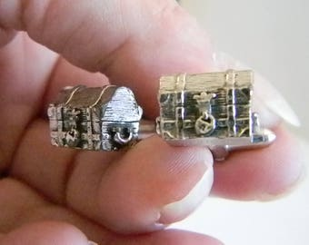 SWANK Silver Tone Treasure Chest Trunk Cuff Links
