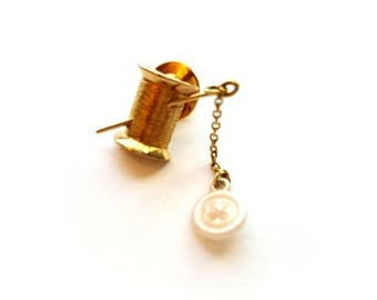 Vintage AVON Gold Very Cute Spool of Thread with Dangling Buton Pin Back, Scatter Pin