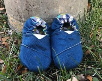 SALE 30% OFF ~ Blue Canvas Baby Shoes {12 months}