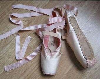 BALLET Pointe shoes  dance  shoes  pointe shoes