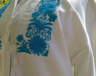 Hand Embroidered Ecuadorian Cotton Muslin Tunic with Gathered Pleats Size L