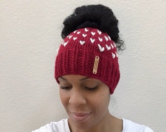 Messy bun beanie//with hearts//fair isle//Messy bun hat//Bun beanie//bun hat//red//knit