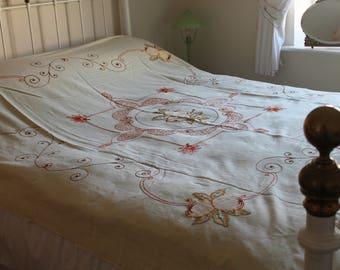 Vintage Bedspread 1930's Art Nouveau 'Peaches'