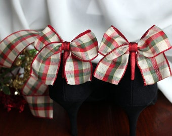Red Green and Cream Christmas Plaid Boot Clip