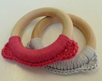 Set Pink and Grey Bear Teething Toy, Pink Teething Ring, Baby Teether, Wooden Teething Toy, Montessori Toy, Pink Crochet Teething Toy