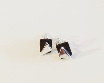 Coconut and silver studs earrings
