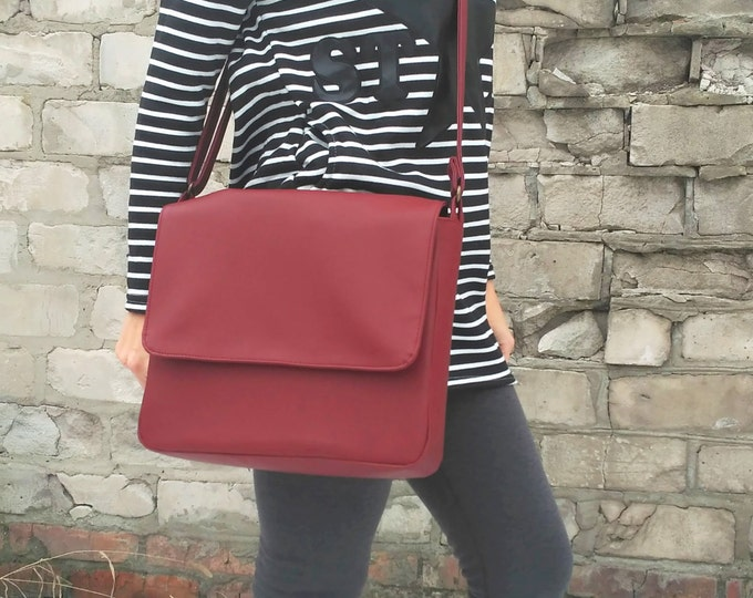 Messenger bag Laptop crossbody Personalized bag Marsala vegan leather handbag Burgundy