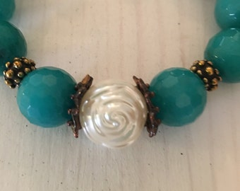 BoHo Glam Teal Glass Beaded Bracelet/with a Pearl Flower // Gift By Ozz Design