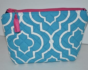 Stand Up Zipper Pouch. Blue Makeup Bag. Travel Accessory. Quilted Zipper Pouch. Bag Insert. Purse Organizer. Gift for Her. Ready to Ship.