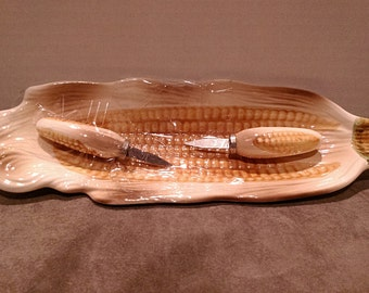 Corn on the Cob Plates with Skewers  Set  3 Plates 6 Skewers