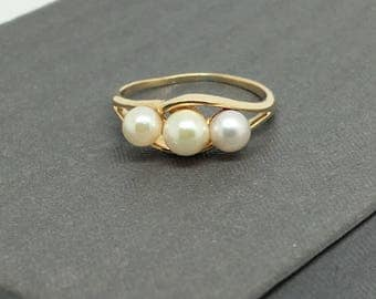 14K Yellow Gold 3 Pearls Ring