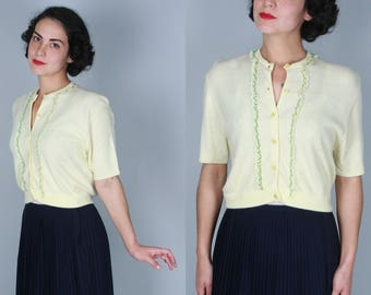 Vintage 1950s Sweater | Lemon Yellow Short Sleeved Cardigan with Lace Trim | Medium