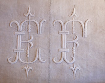 Pair of French antique pure Linen Bedsheets - EF monogram