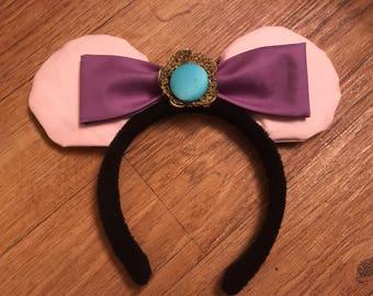 Maid Marian Mickey Ears, Robin Hood Disney Ears, Custom Disney Inspired Ears