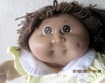 Cabbage Patch doll CPK vintage original 1978-82 dressed caucasian brown hair eyes