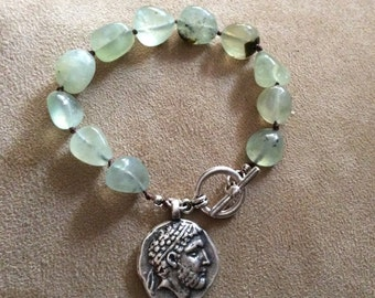Bracelet with prehnite nuggets and toggle clasp