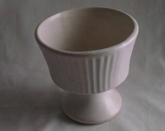 Floraline USA Pottery by McCoy Cream Finish Pedestal Vase #470