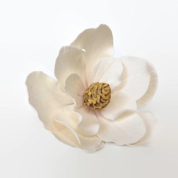 Southern Magnolia Sugar Flower in creamy white for gumpaste flower wedding cake topper, diy brides, fondant cake decoration