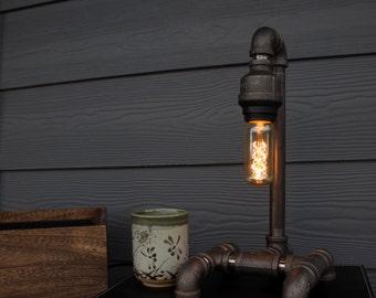 Black iron retro-industrial lamp