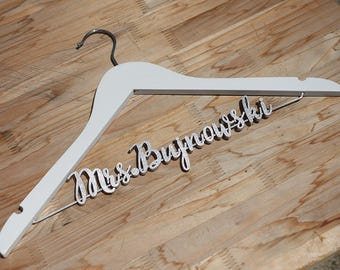Unique bridal shower gift, Personalized Wedding hanger, Bridal Hanger, signs for wedding, Gift for Bridal Party, Bridesmaids Gifts vet0004
