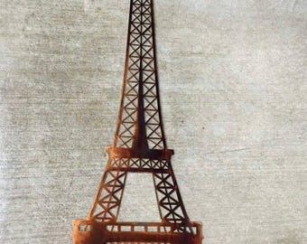 Metal eiffel tower wall art