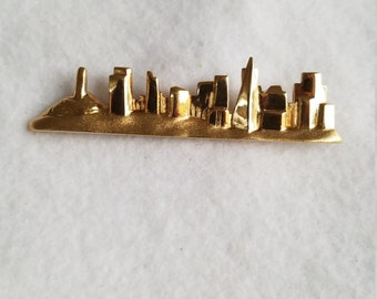 Vintage city skyline brooch