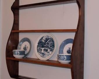 Wall Shelf with plate groove