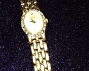 Vintage Austin watch with gold tone bracelet watch, works great, diamond around face