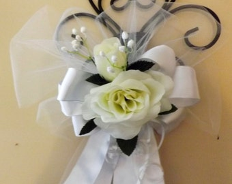 Ivory and white pew bow with open roses center set of 6