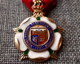 This is a stunning quality vintage silver and enamel masonic jewel medal London 1931