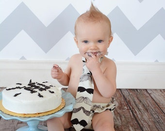 Mustache Smash Cake Outfit