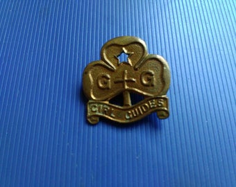 Vintage Girl Guides Pin Badge Brass 70 Years Old