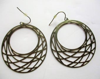 Vintage Mid-Century Modern Brass Net Hoop Earrings Gold Tone Dangle Etched Pierced Hammock Large Lightweight