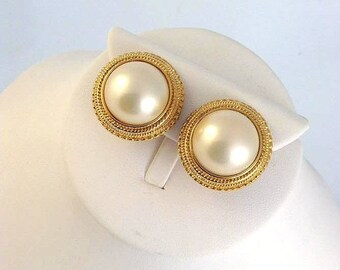 Signed Erwin Pearl Goldtone & Faux Pearl Vintage Clip On Earrings