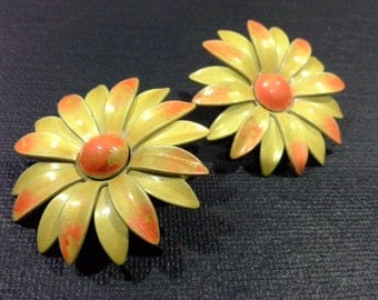 Vintage Enamel Yellow & Orange Gerbera Daisy Clip On Earrings Ear Clips Retro Flower Power