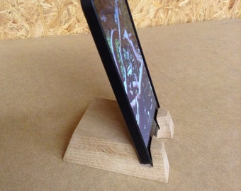 Support téléphone smartphone minimaliste en chêne français. Epuré esthétique type scandinave. iPhone, iPad, Samsung, HTC
